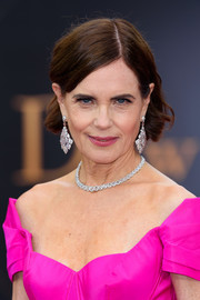 Elizabeth McGovern wore her hair short with curled ends at the world premiere of 'Downton Abbey.'