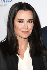 Kyle Richards kept it simple yet stylish with this straight 'do at the grand opening of Dr. Paul Nassif's new medical spa.