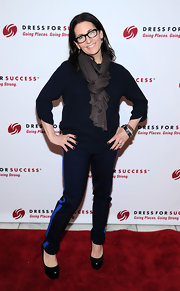 Bobbi Brown looked casual but cool in a pair of navy skinny pants that featured a blue side stripe.