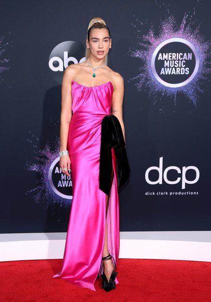 Dua Lipa Evening Pumps [dress,clothing,shoulder,red carpet,carpet,pink,gown,fashion model,fashion,magenta,arrivals,american music awards,microsoft theater,los angeles,california,dua lipa]