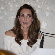 Kate Middleton showed off shampoo-ad-worthy tresses at the Addiction Awareness Week gala dinner.