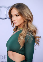 J. Lo topped off her sexy dress with fresh ombre curls.