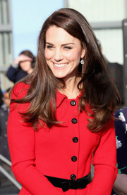 Kate Middleton sported a deep side part and flippy ends at the Place2BeBig Assembly.
