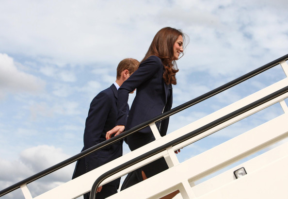 More Pics of Kate Middleton Leather Shoulder Bag (1 of 10) - Shoulder Bags Lookbook - StyleBistro [sky,luxury yacht,photography,architecture,businessperson,stairs,happy,photo shoot,white-collar worker,prince william,plane,cambridge,canada,duchess,london,duke,board,leave,tour]