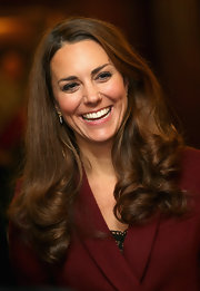 Kate's hair never looked better! Check out these perfect chocolate curls.