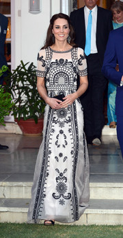 Kate Middleton completed her lovely outfit with the Temperley London Delphia maxi skirt.