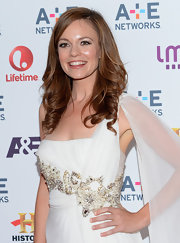 To top off her feminine red carpet look, Rachel Boston opted for soft, loose waves.