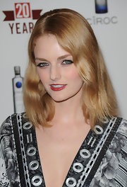 Lydia Hearst paired her embellished dress with shoulder length waves.