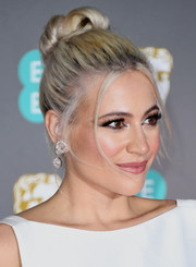 Pixie Lott rocked an edgy top knot at the 2020 EE British Academy Film Awards.
