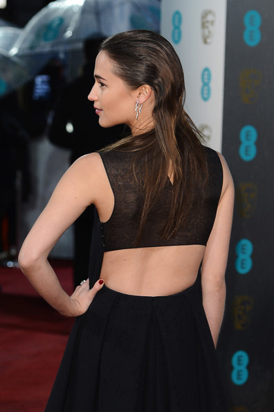 More Pics of Alicia Vikander Long Straight Cut (2 of 11) - Long Straight Cut Lookbook - StyleBistro