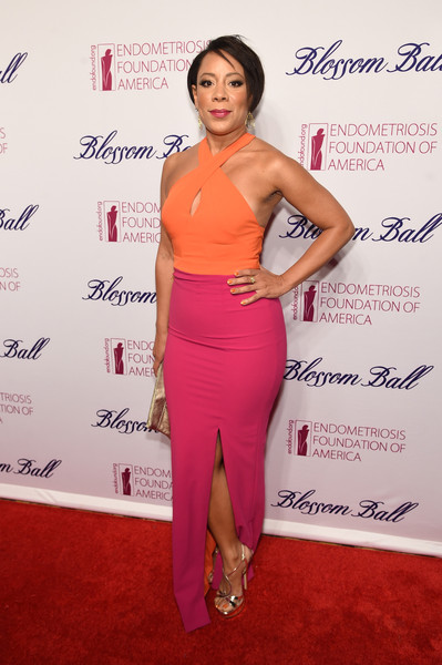 Selenis Leyva continued the sexy vibe with a pair of gold strappy sandals.