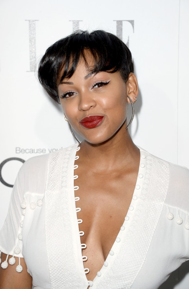megan good short hair style more pics of meagan cut with bangs 7 of 16 2288 | ELLE 20th Annual Women Hollywood Celebration WObrqJVloZ6l