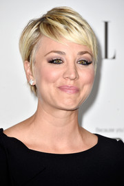 Kaley Cuoco looked super cute with her perfectly styled pixie at the Elle Women in Hollywood event.