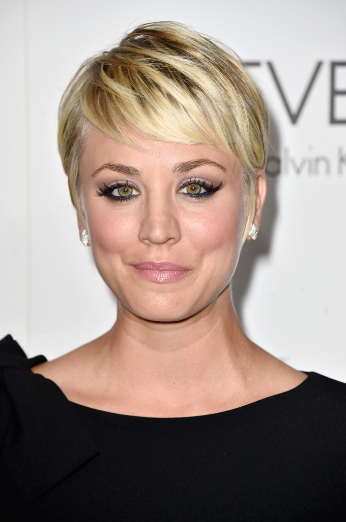 More Pics Of Kaley Cuoco Pixie 7 Of 12 Short