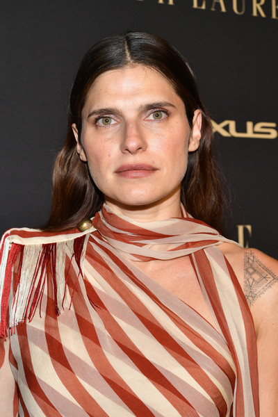 More Pics of Lake Bell Box Clutch (1 of 4) - Lake Bell Lookbook - StyleBistro [hair,hairstyle,eyebrow,chin,lip,brown hair,premiere,neck,peach,long hair,lexus - arrivals,26th annual women in hollywood celebration,ralph lauren,lake bell,los angeles,beverly hills,california,the four seasons hotel,elle,lexus]