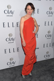 Juliette Lewis was a red-clad Grecian goddess in this draped one-shoulder gown by Vivienne Westwood during the Elle Women in Television dinner.