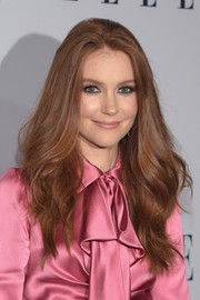 Darby Stanchfield framed her face with long, feathery waves for the Elle Women in Television dinner.