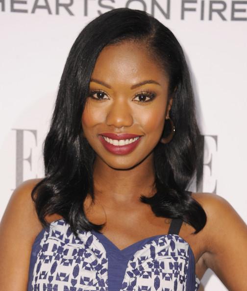 Xosha Roquemore sweetened up her look with this side-parted wavy 'do for the Elle Women in Television celebration.