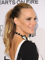 Molly Sims looked effortlessly gorgeous even with this simple ponytail at the Elle Women in Television celebration.