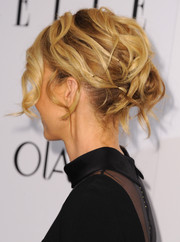 Jenna Elfman styled her hair into a messy-chic bobby-pinned updo for the Elle Women in Television celebration.