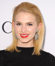 Claudia Lee wore a simple slicked-back straight style during the Elle Women in Television celebration.