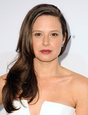 Katie Lowes looked very feminine with her side sweep during the Elle Women in Television celebration.