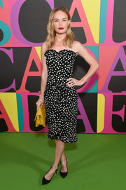 Kate Bosworth paired her cute frock with black slingback pumps by Tabitha Simmons.