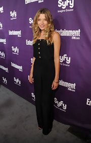 Sarah Roemer wore an on-trend black jumpsuit to the EW Comic-Con event.