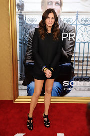Actress Julia Roberts attended the premiere of her new film 'Eat Pray Love' wearing a variety of 20-karat gold bangle bracelets.