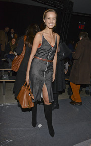 Petra Nemcova bravely wore a sexy gray sundress in freezing temps during the Edun fashion show.