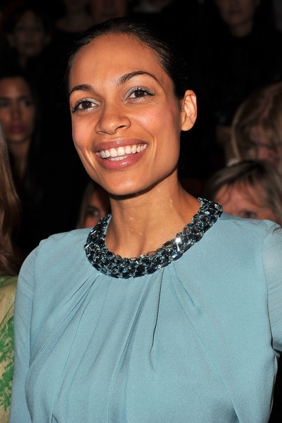 More Pics of Rosario Dawson Metallic Eyeshadow (5 of 8) - Rosario Dawson Lookbook - StyleBistro