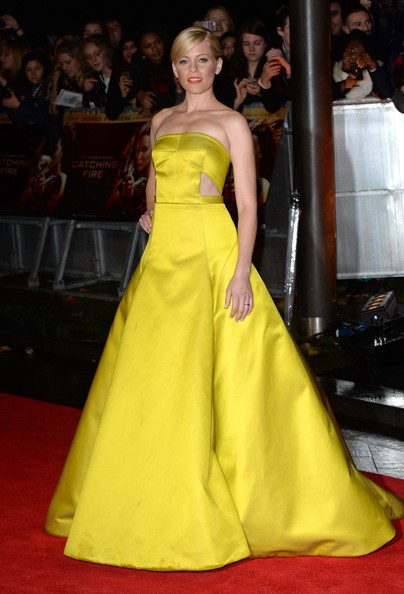 Elizabeth Banks Strapless Dress