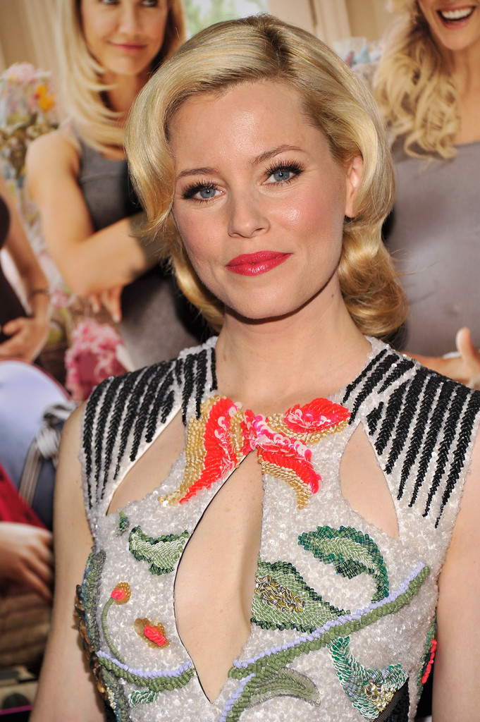 Elizabeth Banks Bright Lipstick Bright Lipstick Lookbook