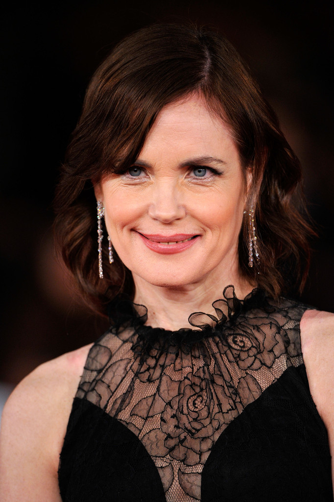 Elizabeth Mcgovern Medium Straight Cut With Bangs Medium