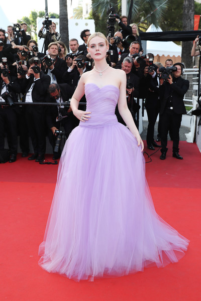 Elle Fanning Strapless Dress [the beguiled,gown,flooring,dress,carpet,shoulder,lady,red carpet,cocktail dress,fashion model,haute couture,red carpet arrivals,elle fanning,screening,cannes,france,cannes film festival,palais des festivals]