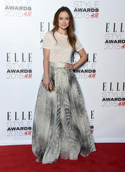 Olivia Wilde glammed up her tee with a full gray skirt, also from the H&M Conscious Exclusive collection.