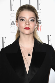 Anya Taylor-Joy wore her hair in a simple half-up 'do at the 2017 Elle Style Awards.