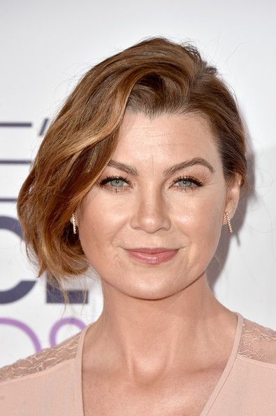 Ellen Pompeo Bobby Pinned Updo [hair,eyebrow,face,beauty,hairstyle,human hair color,chin,blond,forehead,layered hair,peoples choice awards,part,california,los angeles,nokia theatre la live,arrivals,ellen pompeo]