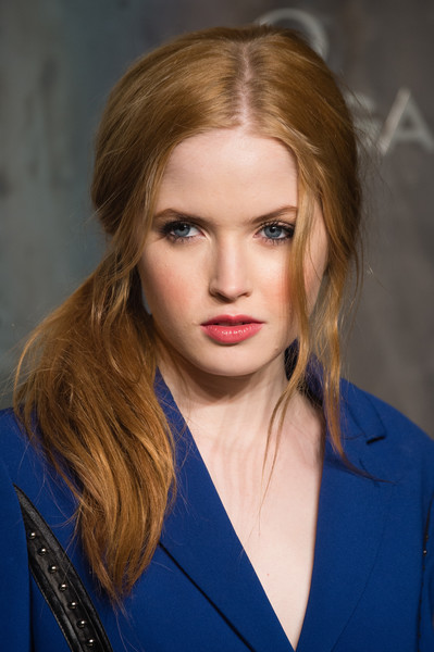 Ellie Bamber Loose Ponytail [lost in space,omega speedmaster,hair,face,hairstyle,eyebrow,blond,lip,beauty,chin,layered hair,long hair,ellie bamber,mission,tate modern,united kingdom,london,nasa,party,event]