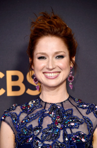 Ellie Kemper Messy Updo [hair,face,hairstyle,eyebrow,beauty,chin,smile,lip,makeover,brown hair,arrivals,ellie kemper,microsoft theater,los angeles,california,primetime emmy awards]