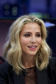 Elsa Pataky worked a beachy wavy 'do during her 'El Hormiguero' appearance.