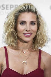 Elsa Pataky rocked a messy-chic curly lob at the Gioseppo presentation.