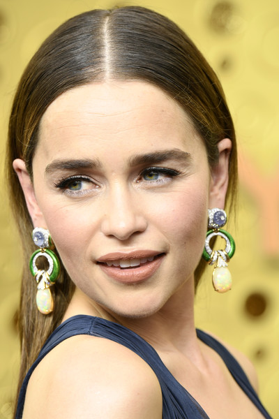 Emilia Clarke Long Straight Cut [hair,face,eyebrow,hairstyle,beauty,lip,nose,chin,skin,cheek,arrivals,emilia clarke,emmy awards,microsoft theater,los angeles,california]