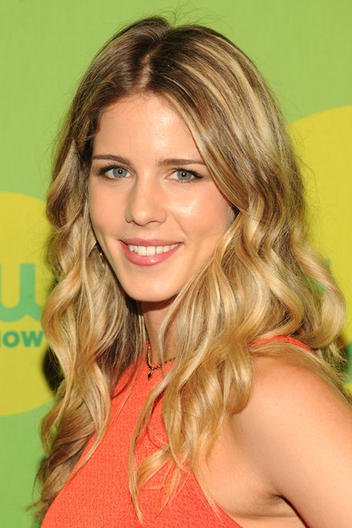 Emily Bett Rickards Long Wavy Cut