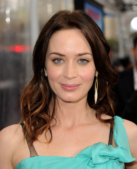 Emily Blunt Gold Dangle Earrings