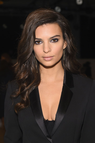 Emily Ratajkowski Long Wavy Cut [shows,boss womenswear fall 2016,the shows,hair,face,hairstyle,eyebrow,beauty,lip,fashion,chin,long hair,black hair,emily ratajkowski,actress,boss womenswear,front row,new york city,new york fashion week,fashion show]