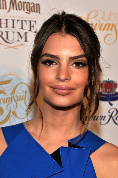 Emily Ratajkowski Ponytail [sports illustrated hosts club si swimsuit,club si swimsuit,hair,face,hairstyle,eyebrow,electric blue,blond,brown hair,long hair,eyelash,black hair,emily ratajkowski,arrivals,liv nightclub,fontainebleau miami beach,miami beach,florida,sports illustrated]