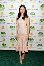 Emmy Rossum teamed nude T-strap pumps with a lovely pink dress for an elegant finish at the Origins Smartyplants event.