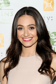 Emmy Rossum looked super lovely with her gentle waves at the Origins Smartyplants event.