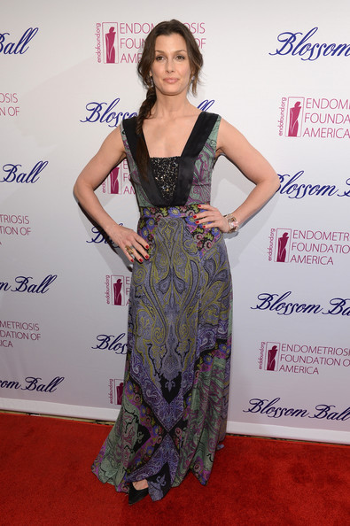 More Pics of Bridget Moynahan Print Dress (1 of 7) - Bridget Moynahan Lookbook - StyleBistro